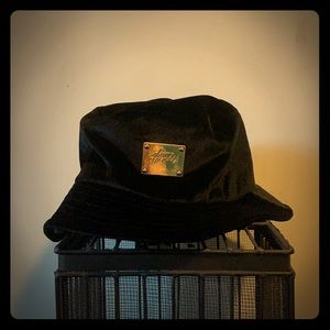 Stussy- Bucket Hat- Black- Size Small/Medium